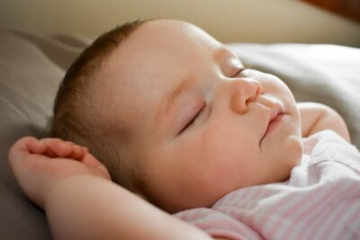 hogyan-segitsunk-az-ujszulottnek-jol-aludni