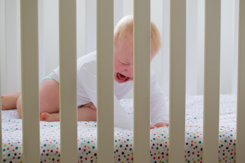 Lerakom a babát és máris ébred...